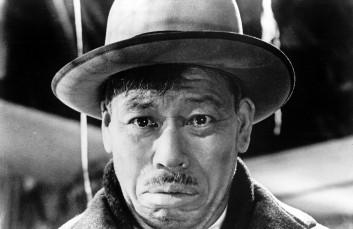Ikiru (1952 Japan) aka To Live aka Living Directed by Akira Kurosawa Shown: Takashi Shimura as Kanji Watanabe
